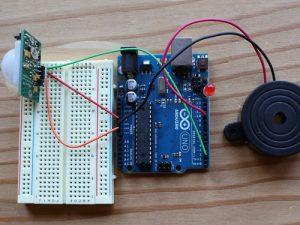 Cách dùng cảm biến chuyển động PIR sensor