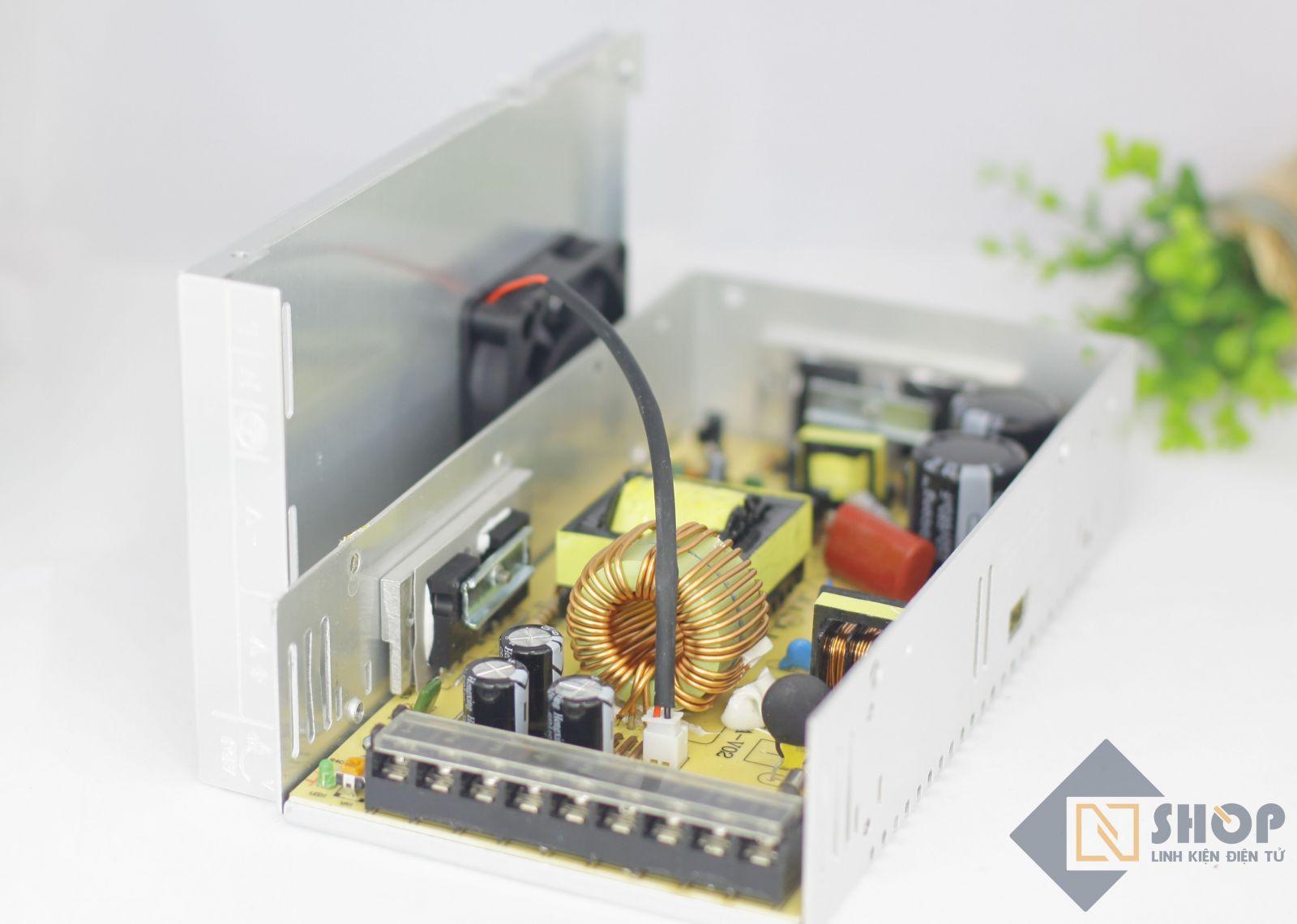 Bên trong Nguồn tổ ong 12V 30A Power Supply