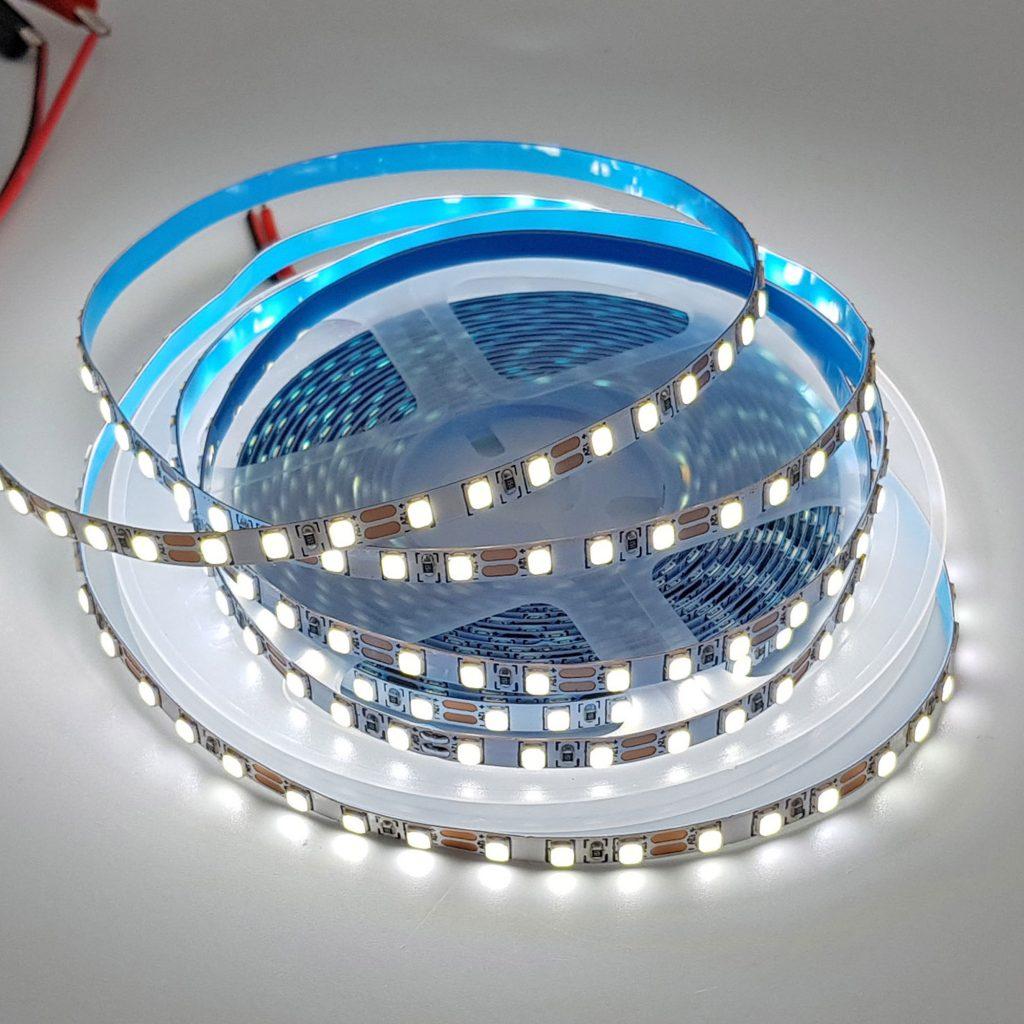 Led dây 2835 12V ánh sáng trắng 6000K 1 mét 120 bóng không phủ epoxy