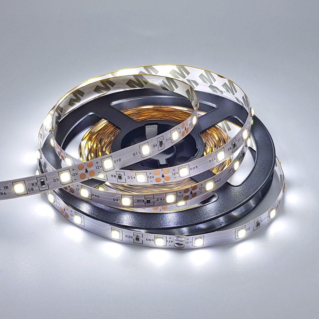 Led dây 2835 12V ánh sáng trắng 6000K 1 mét 60 bóng không phủ epoxy