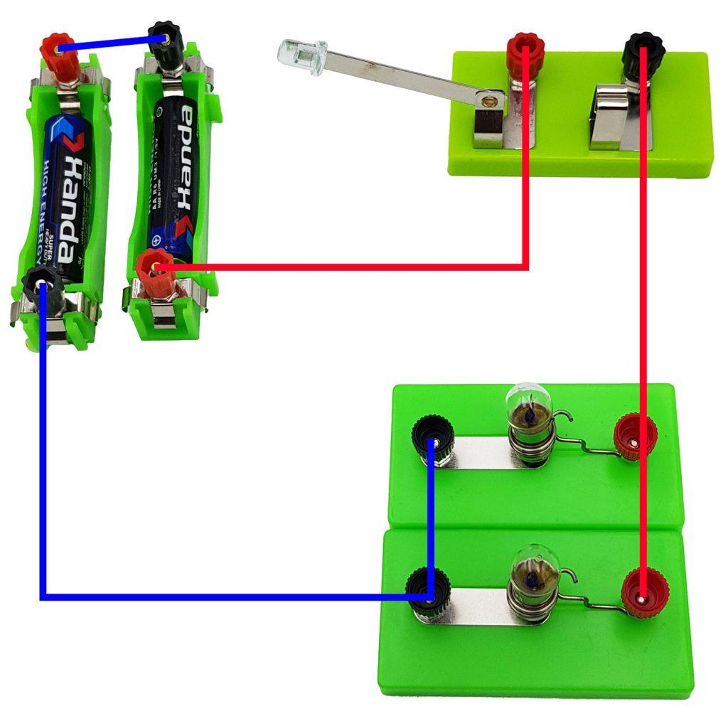 Mạch điện nối tiếp 2 pin, song song 2 đèn